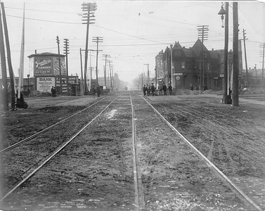 2010.030.PC09.22--lee hastman collection 8x10 print--ICRR--Co Photo view at 75th Street looking west down streetcar tracks--Chicago IL--1909 1113