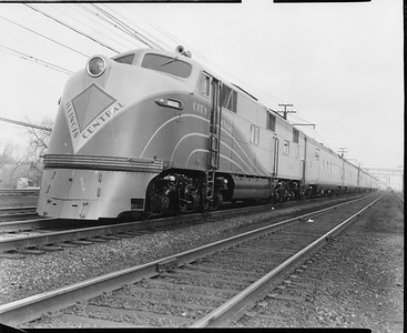 2010.030.PC29.09--lee hastman collection 8x10 print--ICRR--Co Photo view of EMD diesel locomotive 4000 on City of Miami passenger train--location unknown--c1940 0000