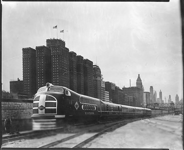 2010.030.PC29.02--lee hastman collection 8x10 print--ICRR--Co Photo view of Green Diamond passenger train at 12th Street--Chicago IL--c1936 0000