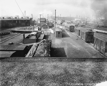 2010.030.PC99.36--lee hastman collection 8x10 print--ICRR--Co Photo view of roundhouse and turntable--location unknown--no date