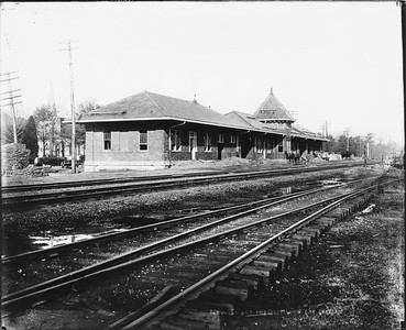 2010.030.PC99.16--lee hastman collection 8x10 print--ICRR--Co Photo view of depot--location unknown--no date