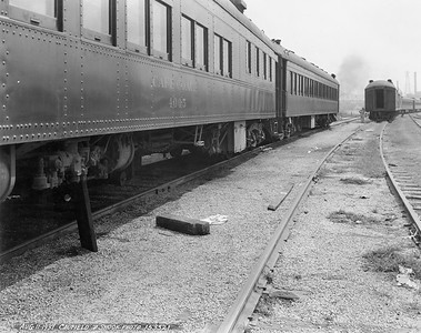 2010.030.PC99.39--lee hastman collection 8x10 print [Caufield & Shook]--ICRR--Co Photo view of cafe car 4005 in yard scene--location unknown--1937 0811