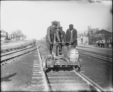 2010.030.PC25.01--lee hastman collection 8x10 print--ICRR--Co Photo view of handcar with trackmen--location unknown--no date