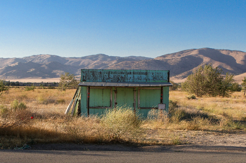 Abandoned fruit stand in Tehachapi, CA