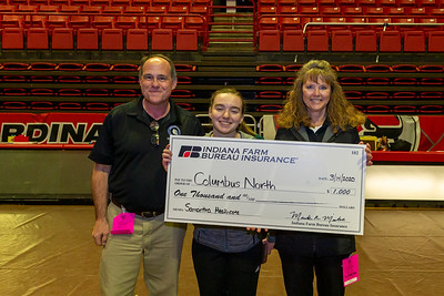 Mental Attitude winner_Samantha Heathcote (Columbus North) w coaches