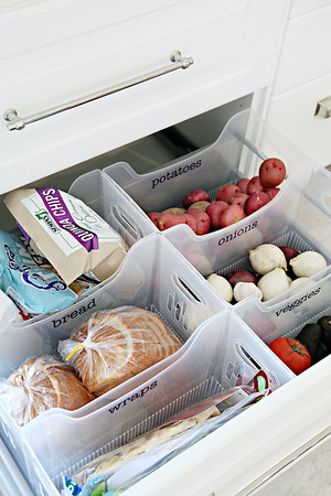 Organized Pantry - http://www.iheartorganizing.com/2015/04/iheart-kitchen-reno-organized-pantry.html