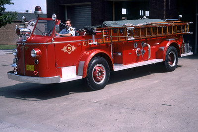 QUINCY ENGINE 5  1952 ALFCO 700  1250-   RON HEAL PHOTO