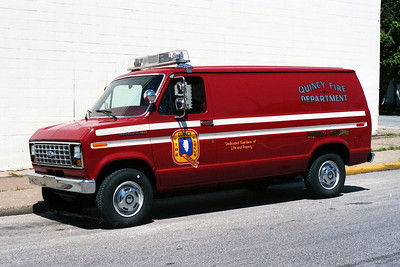 QUINCY FD  COMMAND CAR  FORD VAN