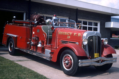 QUINCY ENGINE 3 1938 AHRENS FOX  MODEL H-C  1000 - 0  RON HEAL PHOTO 3