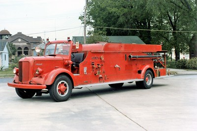 CAIRO FD  LADDER 1  MACK QUAD