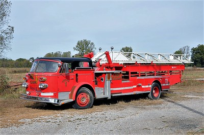 CAIRO FD  LADDER 1  ALFCO 900   100'   SMITH BROTHERS PHOTO