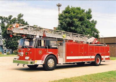 CAIRO FD  LADDER 1  SEAGRAVE  100'  X- CRESTOWWD  OOS   SMITH BROTHERS PHOTO
