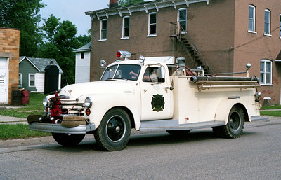 BUREAU  ENGINE 2  1953  CHEVY - ALEXIS  500-300
