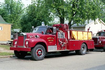 BUREAU  ENGINE 1  1957 MACK B95   750-500   X-CHICAGO RIDGE FD   B85F-1277