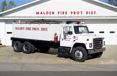 MALDEN TANKER 54   1987 IHC S1900 - FD BUILT  0-3200