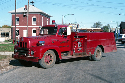 NEPONSET  ENGINE 68  1956 IHC R-190 - FIREFIGHTER  500-750