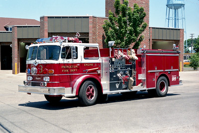 PRINCETON ENGINE 3   1966 IHC - SEAGRAVE  750-100  NEW COLORS