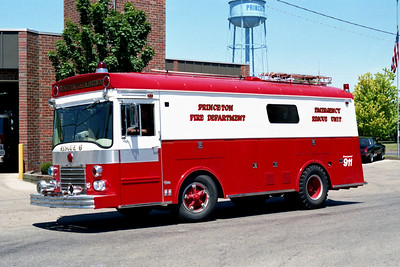 PRINCETON RESCUE 6  1964 IHC - PIERCE   X- APPLETON FD,WI