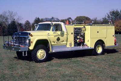PRINCETON  ENGINE 5   1977 FORD F-800 - DARLEY  750-500   ORIGINAL COLORS    RON HEAL PHOTO