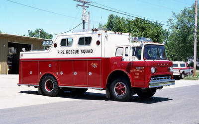 SPRING VALLEY  SQUAD 215  1977 FORD C-800 - WELCH