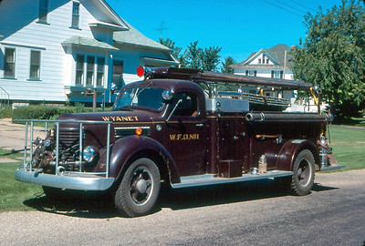 WYANET  ENGINE 1  1946 CHEVY - CENTRAL ST LOUIS   500 GPM - 100