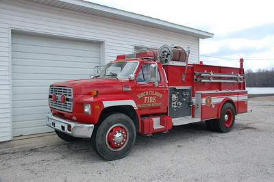NORTH CALHOUN FPD   ENGINE 204   1986 FORD F800 - FIREMASTER       DAVID HORNACEK  PHOTO
