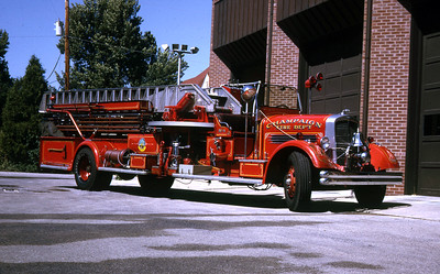 CHAMPAIGN LADDER  1937 PIRSCH  750-0-75'  RON HEAL PHOTO