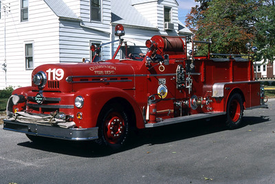 CHAMPAIGN ENGINE 119  1957 SEAGRAVE  1000-   RON HEAL PHOTO
