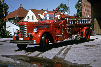 CHAMPAIGN ENGINE 1  1947 PIRSCH  750-   RON HEAL PHOTO