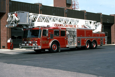 CHAMPAIGN TRUCK 111  1989 DUPLEX - GRUMMAN  1500-200-102'  RON HEAL PHOTO