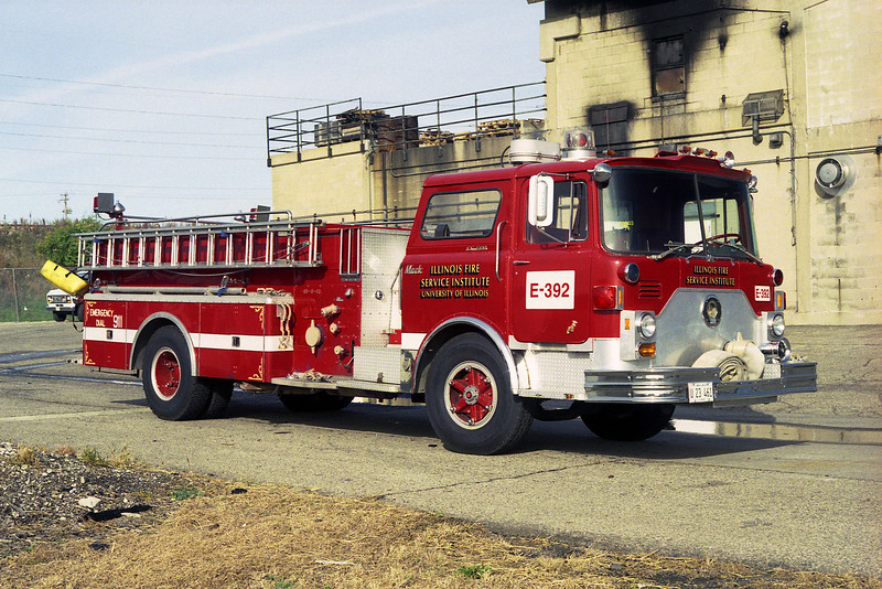 ILLINOIS FIRE SERVICE INSTITUTE ENGINE 392 MACK CF