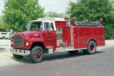 TAYLORVILLE FD  TANKER 4  1982 FORD L - WELCH  450-1500