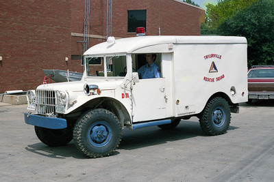 TAYLORVILLE FD RESCUE  1953  JEEP