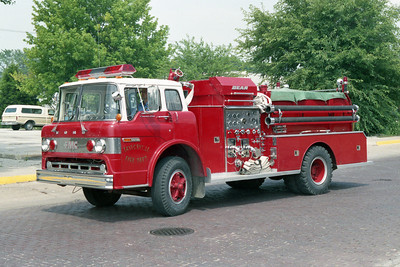 TAYLORVILLE FD  ENGINE 3   1977 FORD-FMC  750-750