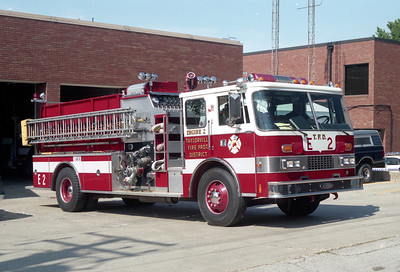 TAYLORVILLE  ENGINE 2  PIERCE DASH