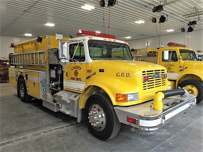 CASEY FD  ENGINE 1  IHC 4900 - PIERCE   PASSENGER SIDE   JIM HUDDELSON PHOTO