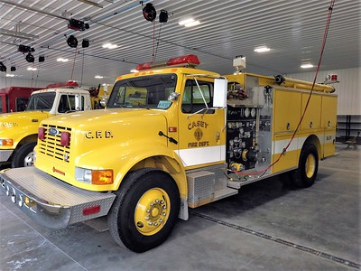 CASEY FD  ENGINE 1  IHC 4900 - PIERCE   JIM HUDDELSON PHOTO