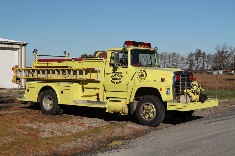 ENGINE 1<br /> 1984 FORD L - TOWERS<br /> 750-750<br /> <br /> FRANK WEGLOSKI PHOTO