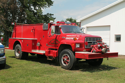 SEVEN HICKORY MORGAN ENGINE 94  1984 FORD F800 - TOWERS  750 - 1000  1830  F712-120-SR-T  FRANK WEGLOSKI PHOTO