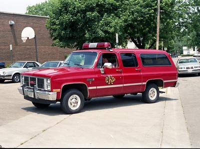 DEKALB  CAR 7   1985 GMC SUBURBAN