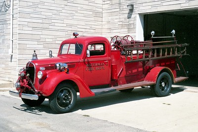 WATERMAN COMMUNITY FPD  ENGINE 1  1937  FORD - AMERICAN   500-300