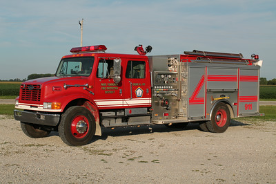 PARIS CFPD - OLIVER STATION  ENGINE 205  1999 IHC 4900 - LUVERNE  1250 1000   10970  FRANK WEGLOSKI PHOTO