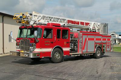 EFFINGHAM LADDER 552  2009 SPARTAN GLADIATOR - FERRARA  1500 - 500 20F - 77'  H-4215  FRANK WEGLOSKI PHOTO