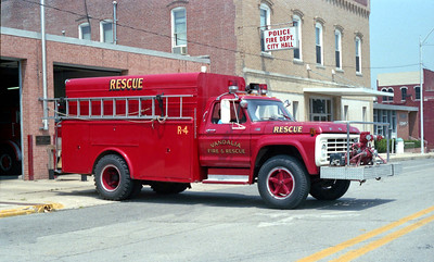 VANDALIA  RESCUE 4  1977 FORD F - TOWERS   500-300