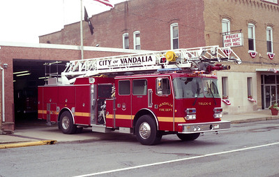 VANDALIA TRUCK 6  OFFICERS SIDE