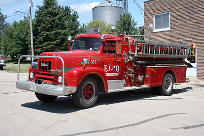 ELLIOTT    ENGINE 332  1961 IHC R-185 - HOWE  750-500   X-PAXTON FPD  #10928  DRIVERS SIDE