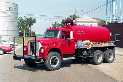 ELLIOTT  TANKER 3  1968 IHC LOADSTAR - 1988 PROGRESS TANK  0-1500