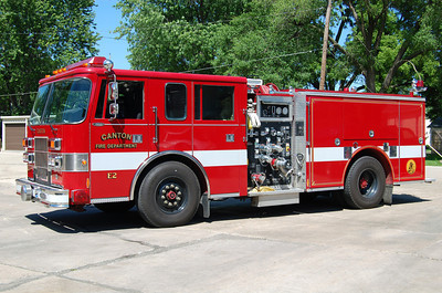 CANTON FD   ENGINE 2  1996 PIERCE SABER  1250 - 750  X - VINCENNES FD,IN   BILL FRICKER PHOTO
