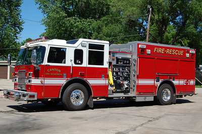 CANTON FD  ENGINE 1  2002 PIERCE DASH  1250 - 500   BILL FRICKER PHOTO