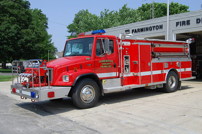 FARMINGTON FPD  ENG 1101  1998 FREIGHTLINER - ALEXIS  1000-750  #1644   BILL FRICKER PHOTO